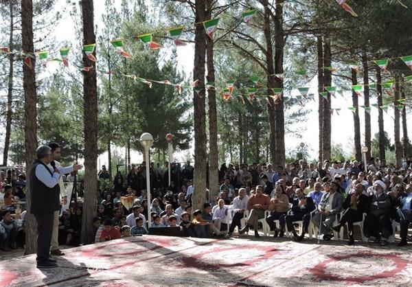 نمایش تولیدات صنایع دستی شهرستان فردوس از شبکه یک سیما