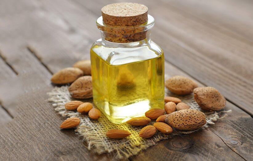خواص و مضرات روغن بادام تلخ برای پوست، مو و سلامتی