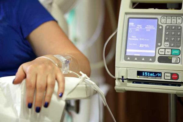 شیمی درمانی با رادیوتراپی چه تفاوتی دارد؟