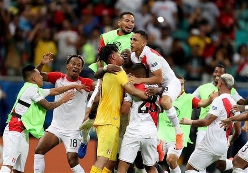 کوپا آمه ریکا 2019، پنالتی هدر رفته سوارس اولین شگفتی جام را رقم زد، پرو رقیب شیلی در نیمه نهایی شد