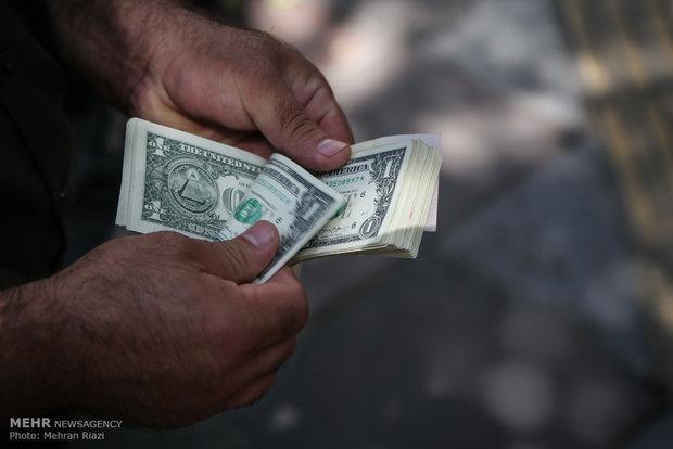دلار همچنان 4200 تومان، نرخ یورو و پوند کمی افزایش یافت