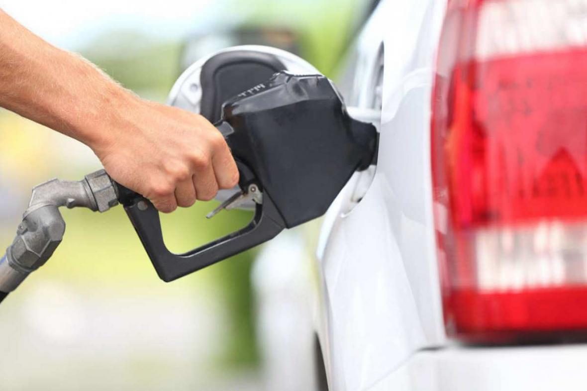 کاهش عرضه بنزین سوپر بدلیل عدم استقبال مردم