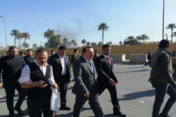 وزیر کشور عراق به مقابل سفارت آمریکا در بغداد رسید