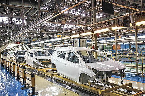 ایران خودرو، سایپا و پارس خودرو بیش از 793 هزار خودرو فراوری کردند