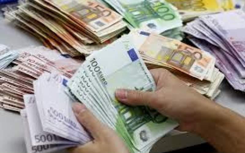 ثبات قیمت دلار و یورو در صرافی های بانکی